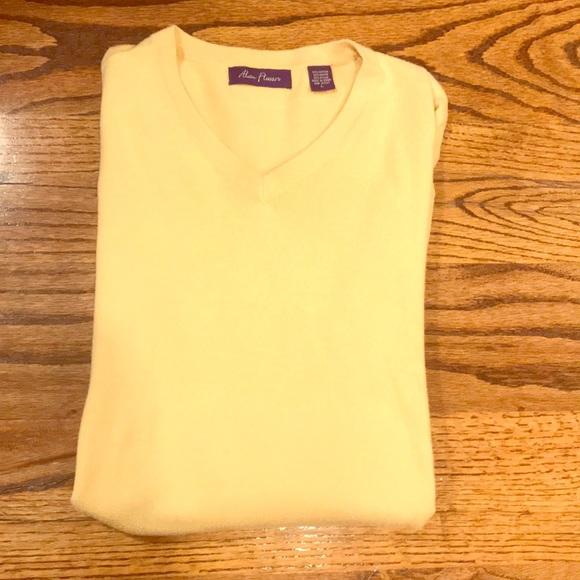 Men's size large yellow Alan Flusser sweater